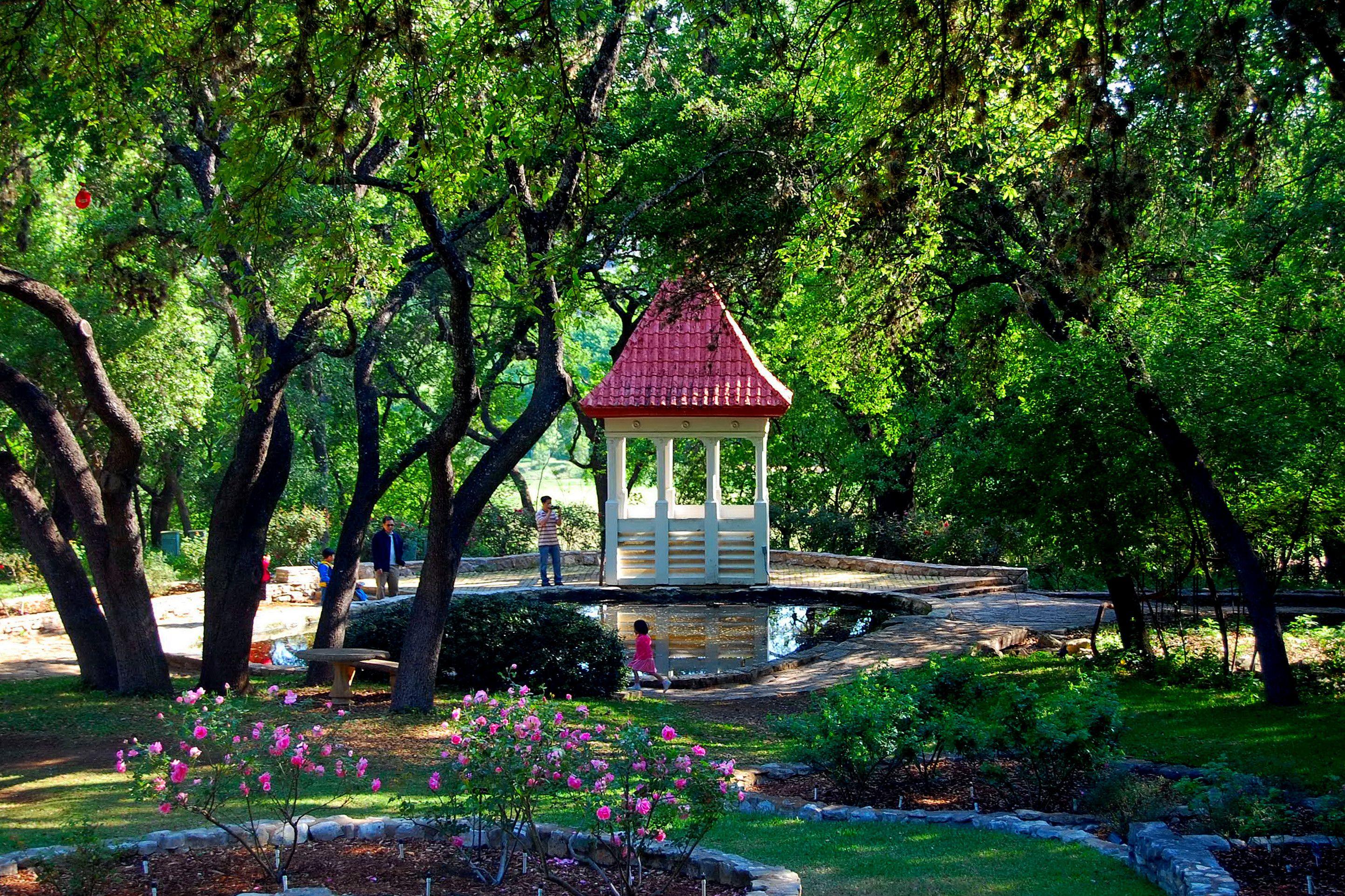 Zilker Botanical Garden Google Search Botanical Gardens Zilker Park Garden Club