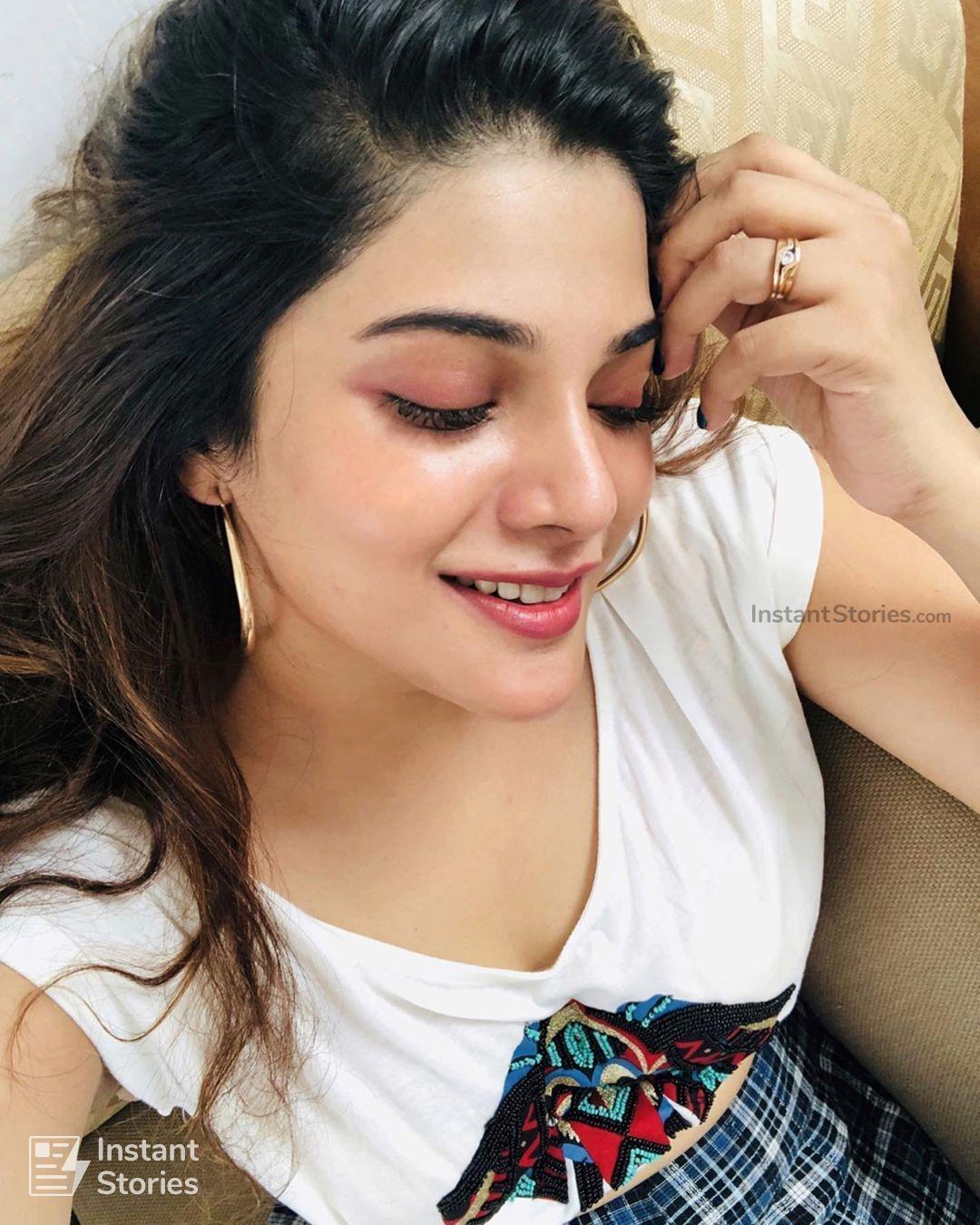 Aathmika Beautiful Hd Photos Mobile Wallpapers Hd Android Iphone 1080p 8 Hollywood Actress Photos Beautiful Indian Actress Most Beautiful Indian Actress