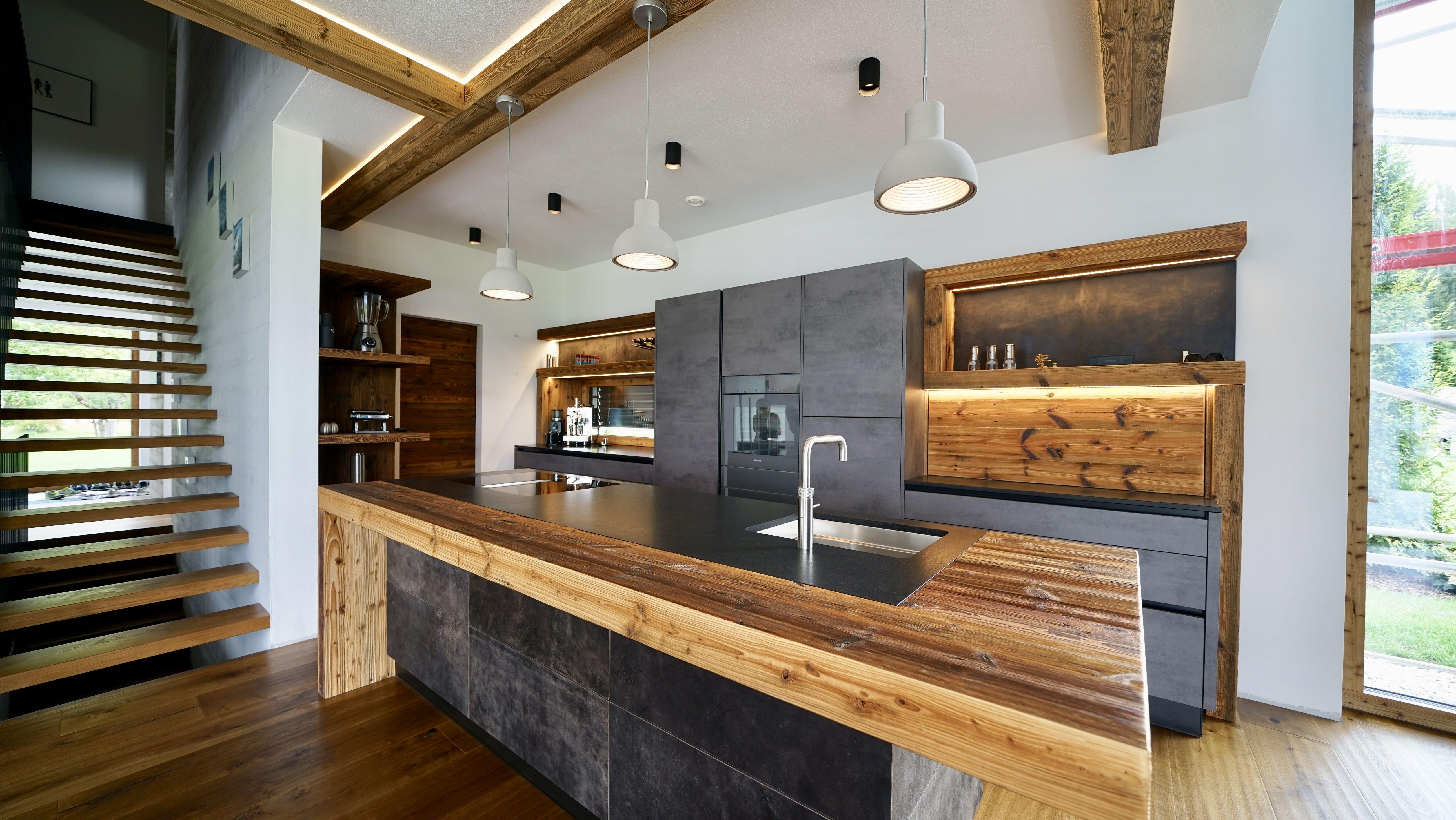 Moderne Küche mit Altholz - Sendlhofer Design in 2020 ...
