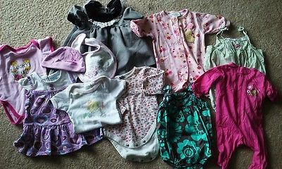 $2.99 __10 Piece Mixed Lot of Baby Items. 0-6 months Child of Mine/Gap/Carter's #2