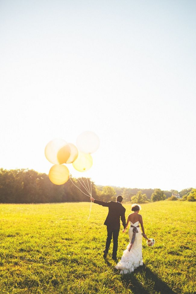 Stunning Wedding in the South of France; so beautiful! You can buy lovely balloons at www.jellyandblancmange.co.uk #Wedding #Balloon #Photo #Big #Day
