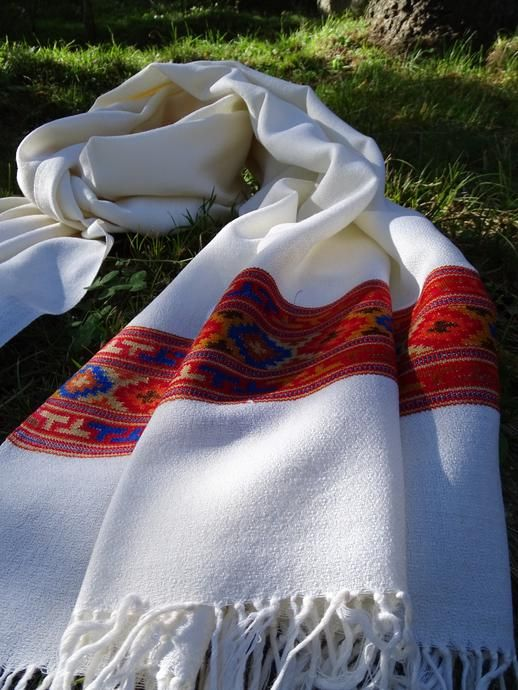MARICHI : 100 % Handmade wool scarf | Woolen shawl