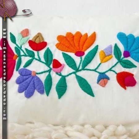 Dise os de flores para bordar a mano bordado pinterest for Disenos para bordar