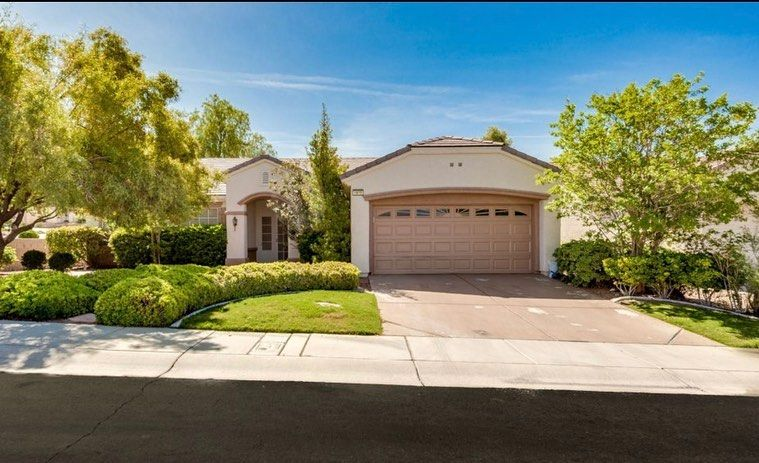 Charming Single Story In 55 Sun City Anthem Popular Independence Model On The Corner I Las Vegas Real Estate Tub Shower Combo Granite Countertops Kitchen