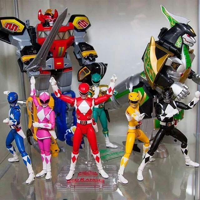 Mighty morphin power rangers action figure collection