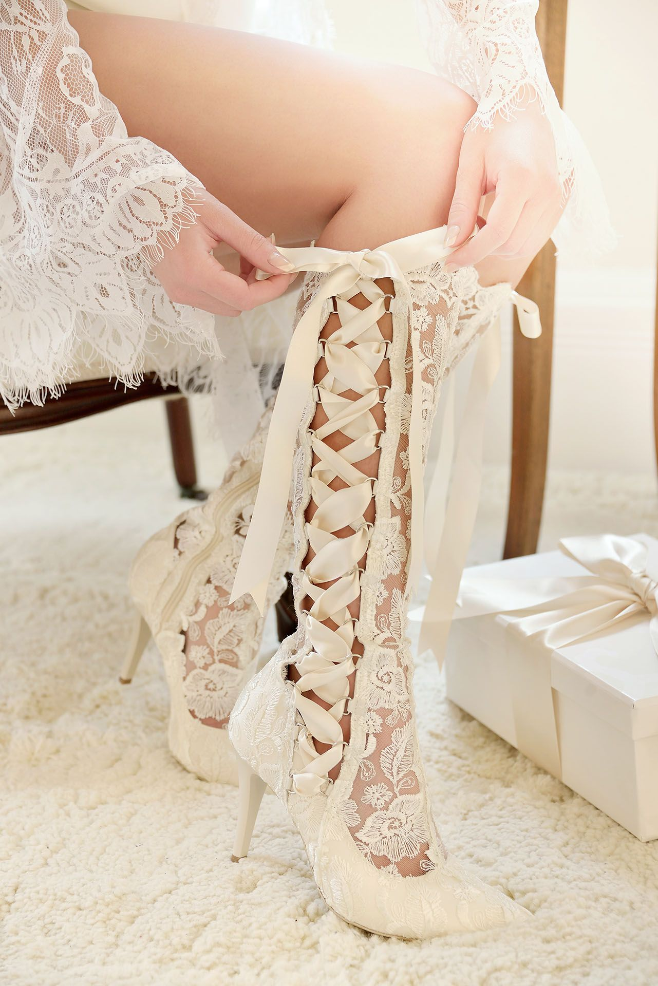 Classic Ivory Lace Wedding Boots and Shoes | Stiefel, Hochhackige ...