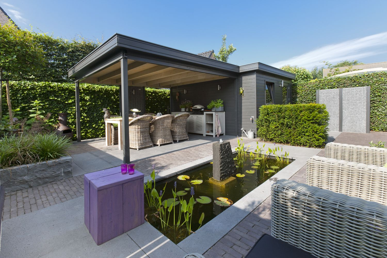 Tuinontwerp tuinaanleg hovenier eindhoven helmond nuenen kleine tuin patiotuin strakke vijver - Ideeen terras ...