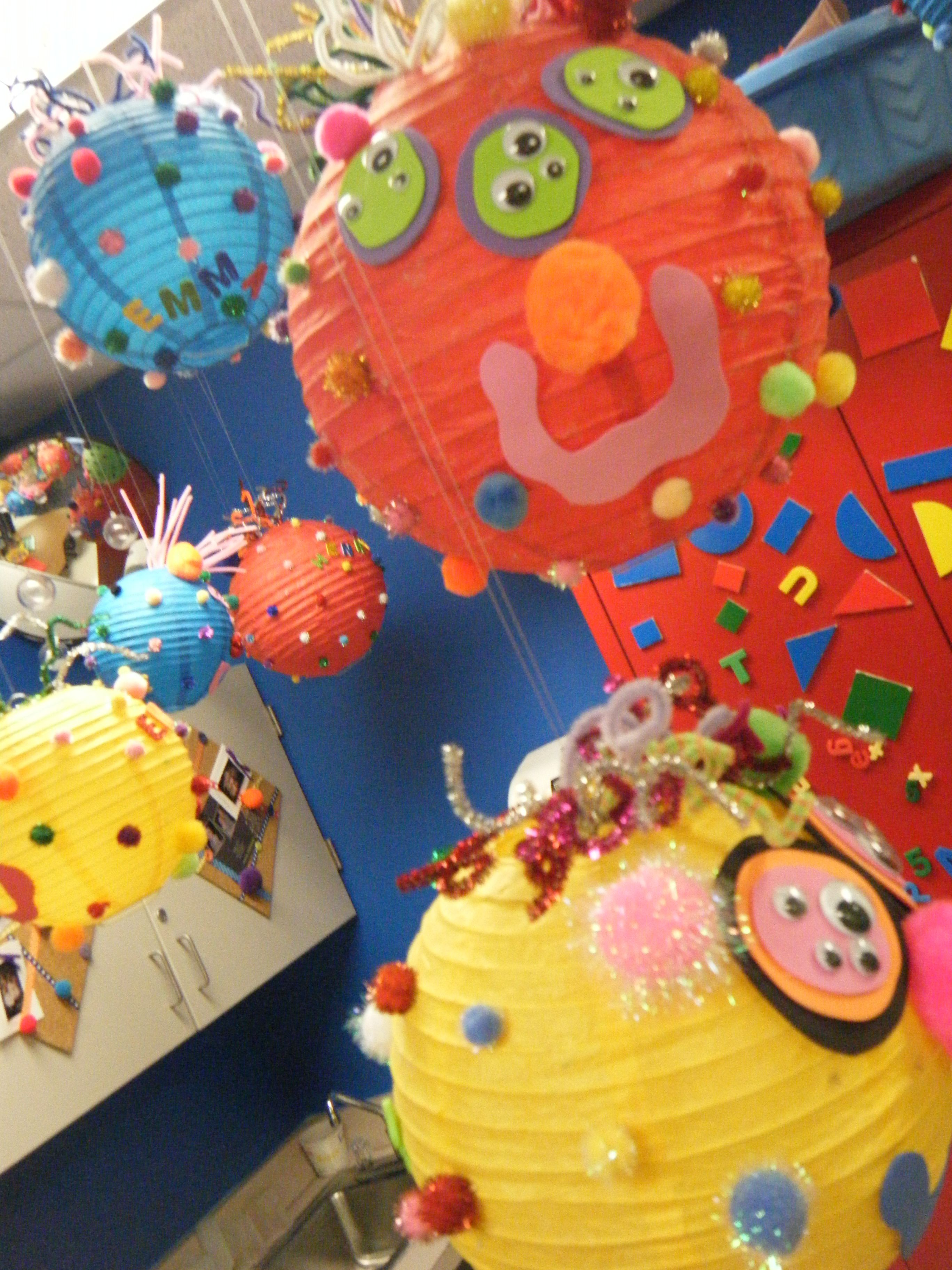 B toys carousel bells   meilleures images à propos de jeugdboekenweek bib  sur