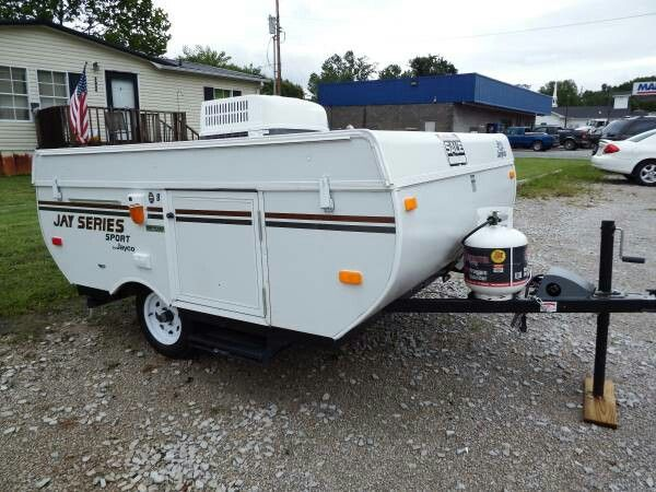 2013 pop up camper jayco been used for times has a 8 foot