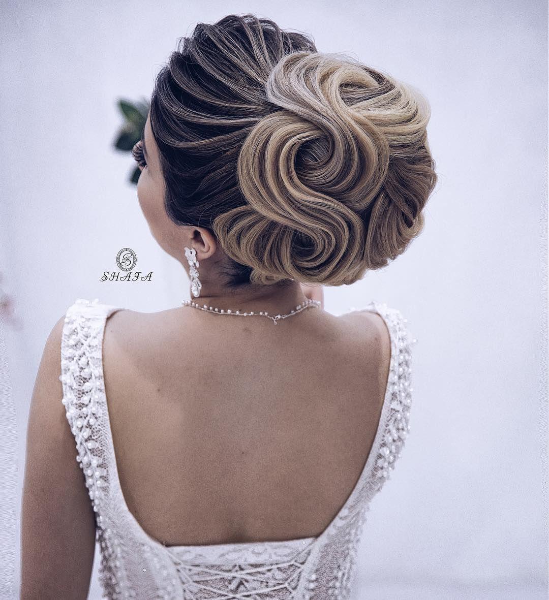 13 9b Begenme 98 Yorum Instagram 39 Da Shafaq Novruzova Shafastudio Quot Elegant Gelin Sac Duzumu Elegant Hairstyles Hair Styles Graduation Hairstyles
