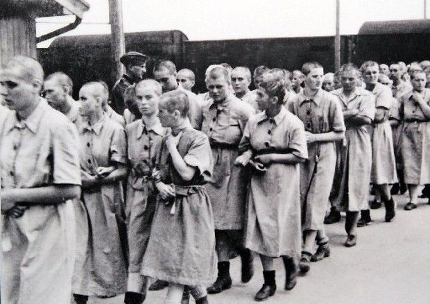 the horrors inside the auschwitz nazi concentration camp This holocaust history was discovered by the allies in dozens of concentration  camps, as germany fell in the spring of 1945 as correspondent.
