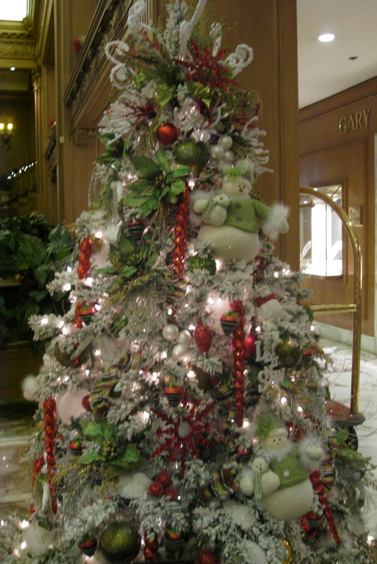 Professionally Decorated Christmas Trees | Creative ...