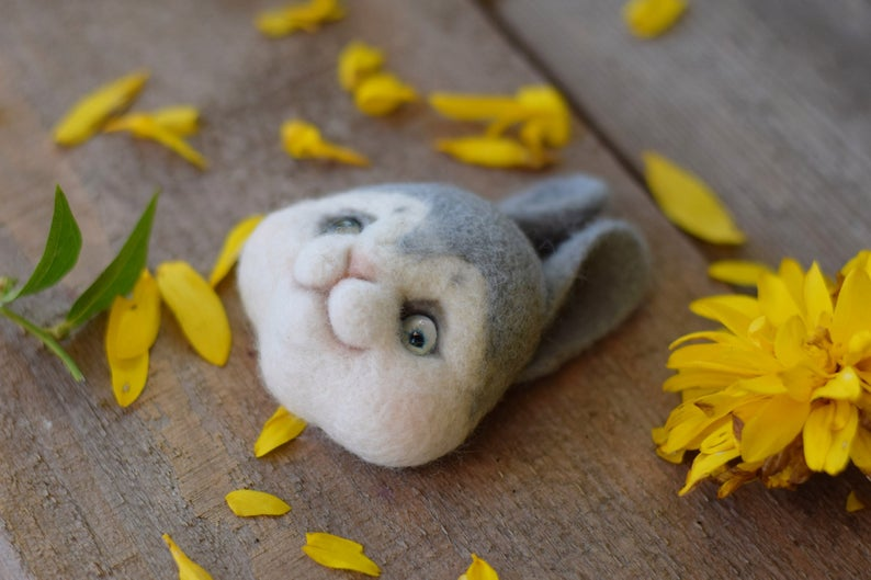 Diy needle felting - Bunny brooch - printable picture tutorial rabbit - how to needle felt pdf - detailed instruction - beginner felting #needlefeltedbunny