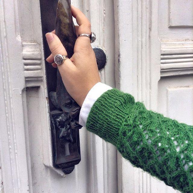 Бесконечная любовь к дверным ручкам передалась моей сестренке по наследству @mr.yuly . #curltrip #daybyday #inbruges #doors #Europe