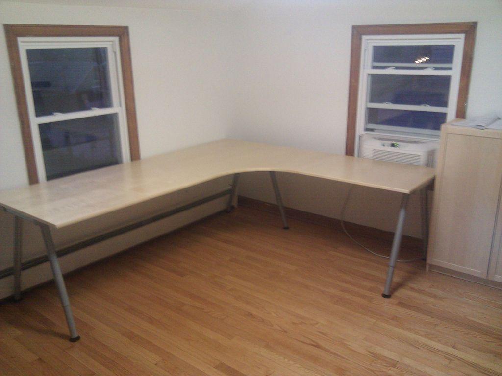 Large Corner Desk Ikea American Freight Living Room Set Check
