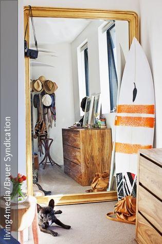 Raum Optisch Vergrößern mit wandspiegel den raum optisch vergrößern surfboard bag