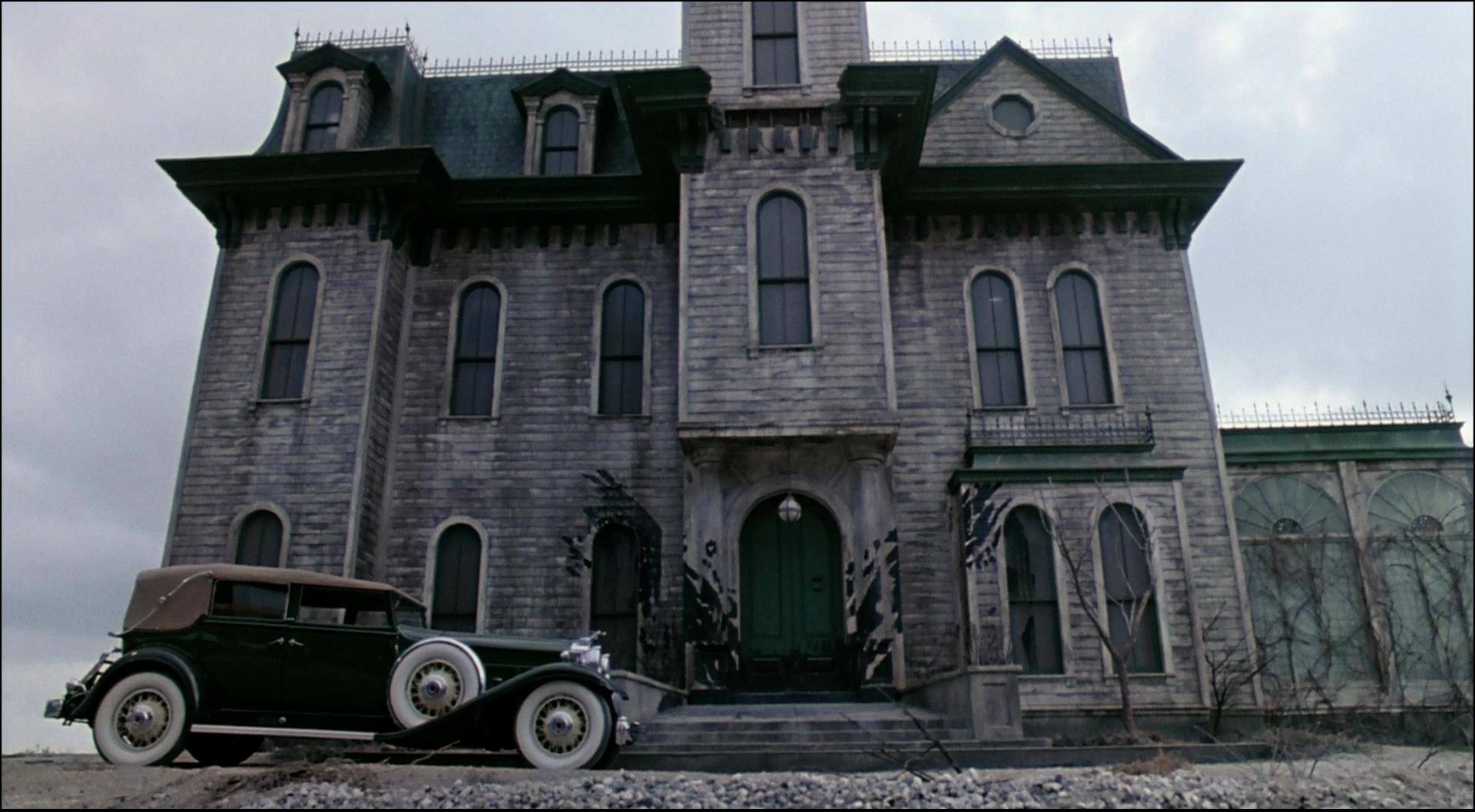 Addams Family 1991 Movie Mansion Inspiration Addams