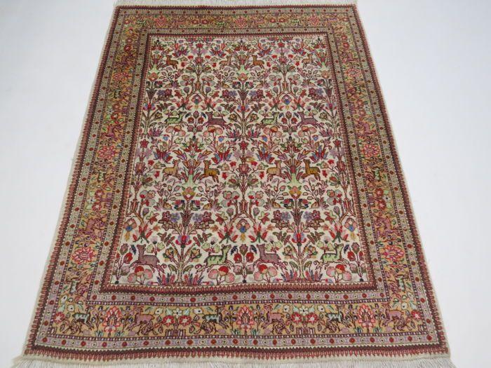 Wonderfully Beautiful Persian Carpet Tabris Iran 200 X