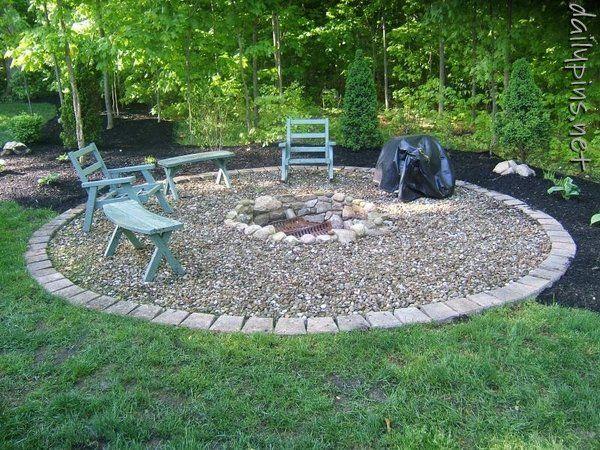 fire pit idea (thanks @Shanel Faubion ) Outdoor spaces Pinterest