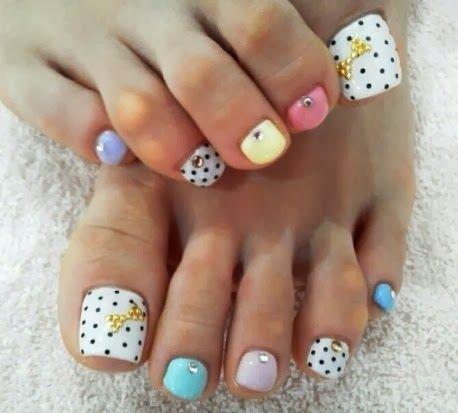 Nails daily: Focus Toenails. Polka dot and pastels