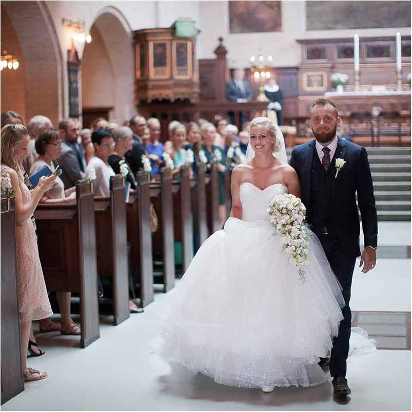 Bryllupsfotograf Kobenhavn Unikke Billeder Og Gode Priser Bryllup Brudekjole Havfrue Bryllup Tips