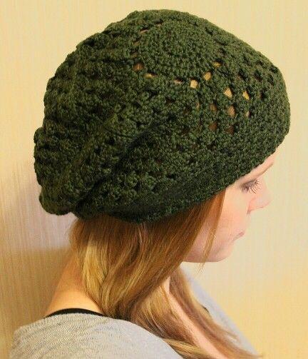 Gehäkelte Mütze mit Granny Squares für die Kalte Jahreszeit.