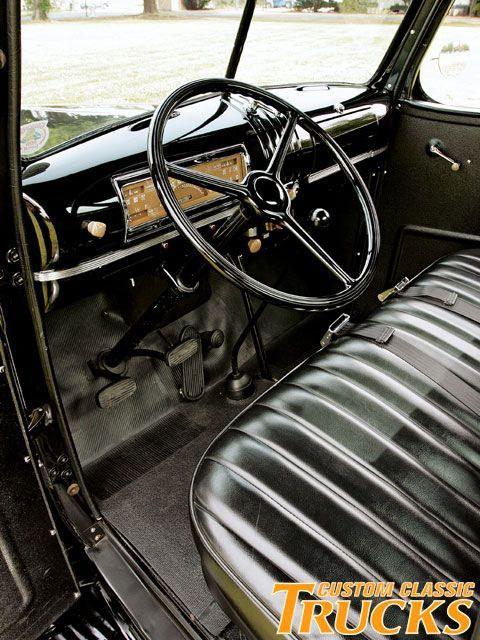 1946 chevy pickup truck stock interior trucks pinterest camiones chevy chevy y camioneta. Black Bedroom Furniture Sets. Home Design Ideas