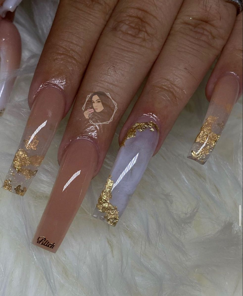 Pin By Phoenix On C L A W In 2020 Gold Acrylic Nails Bling Acrylic Nails Long Acrylic Nails Coffin