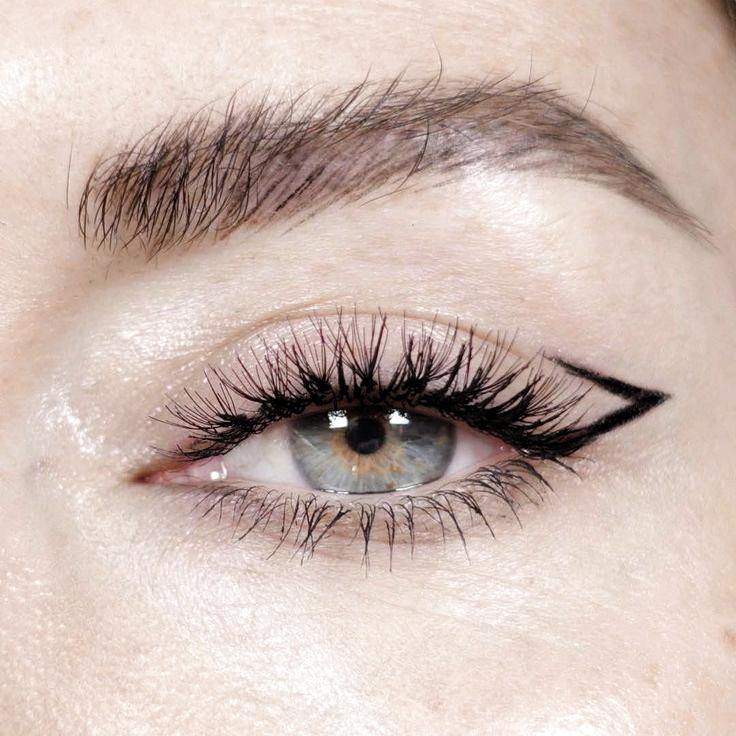 @KatieJaneHughes Make-up Augenbrauen Eyeliner kreative Alternative einzigartige ...,  #Alternative #