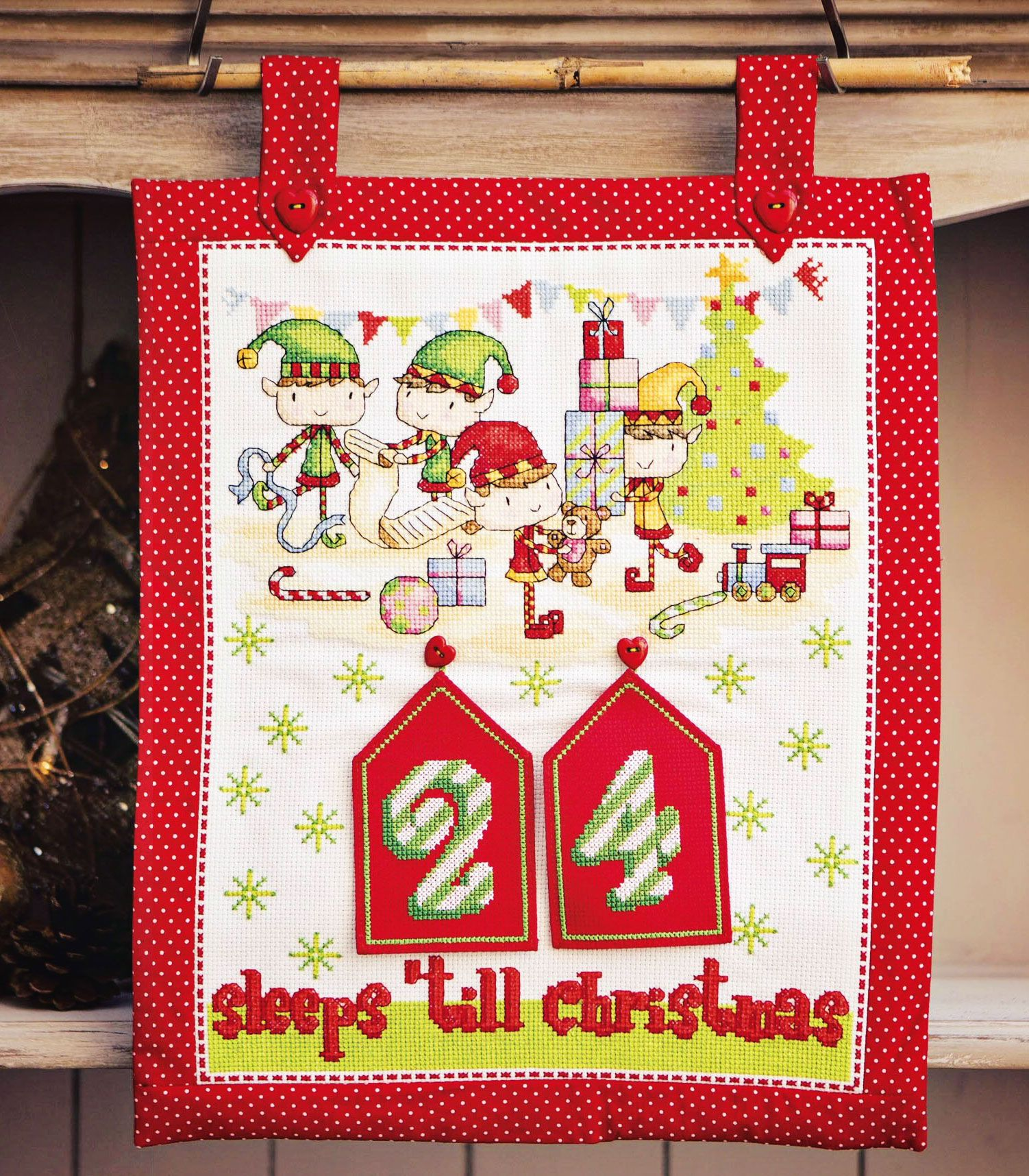 Santa' Little Helpers - Project In Cross Stitch Gold Magazine Issue 123 Durene