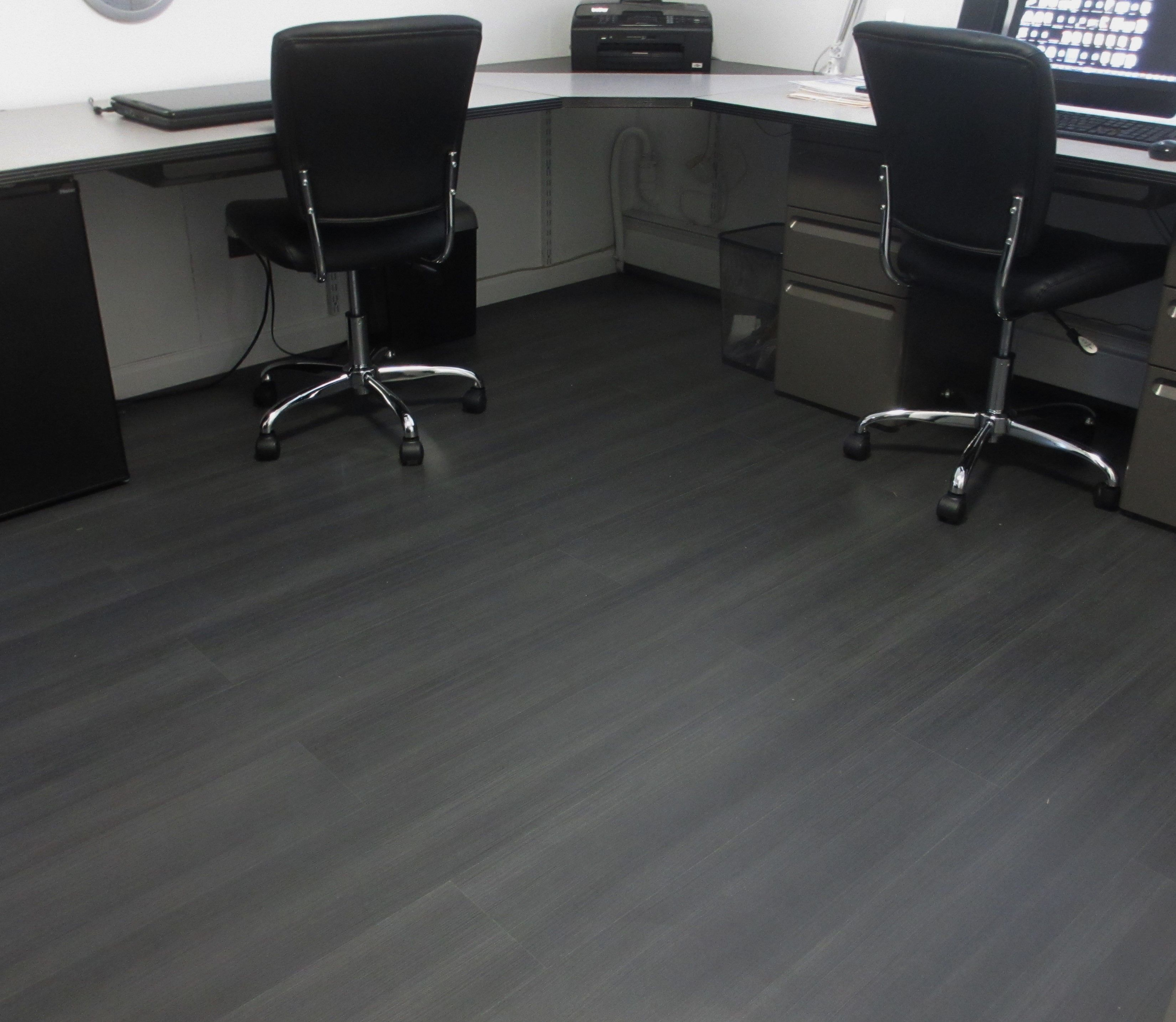 Rigoletto Black Turned This Office Into An Executive Destination Office Remodel Executive Bestlaminate Customer Gallery Vinyl Flooring Best Laminate