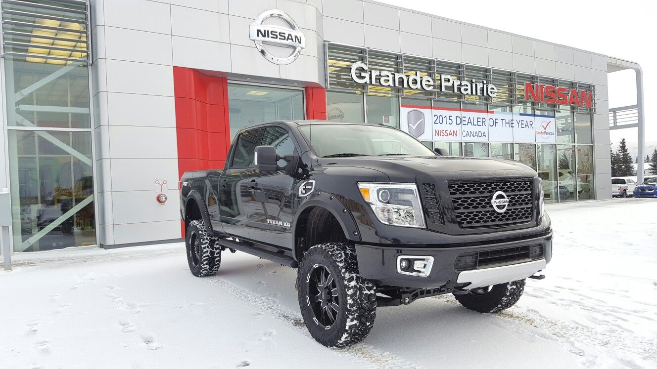 2016 Nissan Titan XD Diesel pro4x lifted Rough Country 35s | nissan