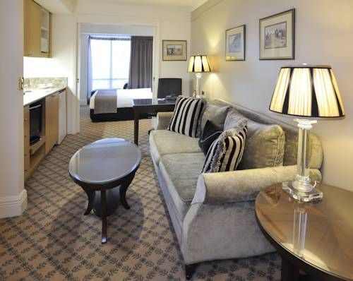 Stamford Plaza Hotel In The Heart Of Melbourne City Center Each
