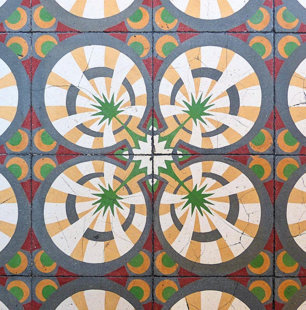 https://flic.kr/p/Ft4WKw | Vilanova i la Geltrú - Rambla Principal 114 j | Can Joan Magriñà (Casa Renard)  1923  Architect: Josep Maria Miró i Guibernau