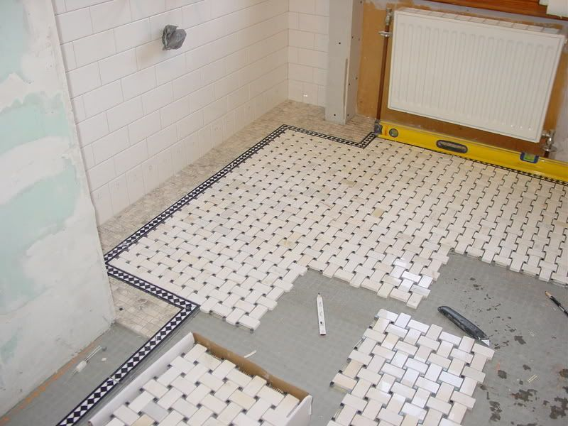 Bathroom Floor Ideas: Basketweave Tile With Border