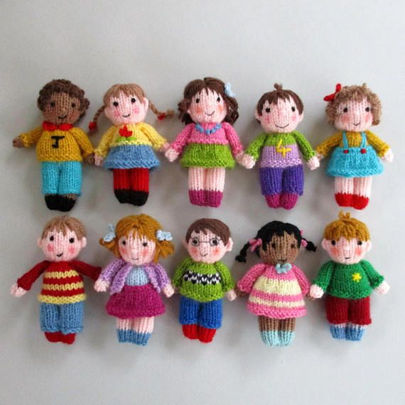 "Photo of 10 CUTE LITTLE KIDS – 10 cm (4 "") – Strickmuster für Spielzeugpuppen – Puppenhausgröße – PDF-Sofort-Download – Dollytime-Strickpuppe"