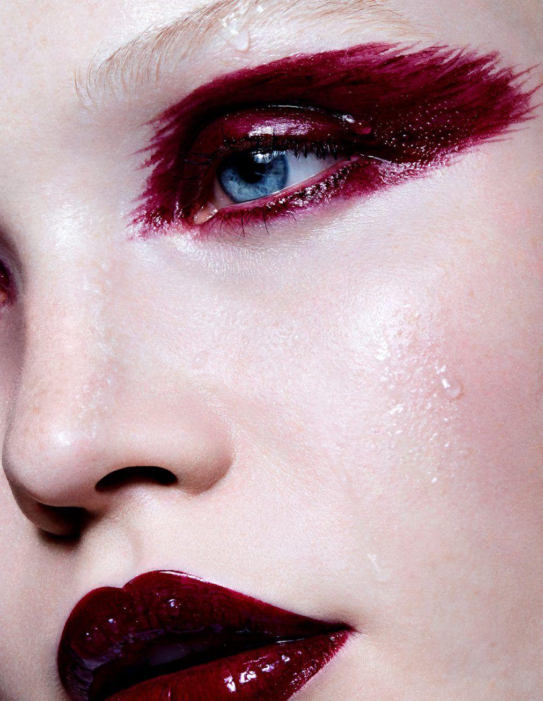 Super Soaker Glossy eyes, Makeup, Futuristic makeup