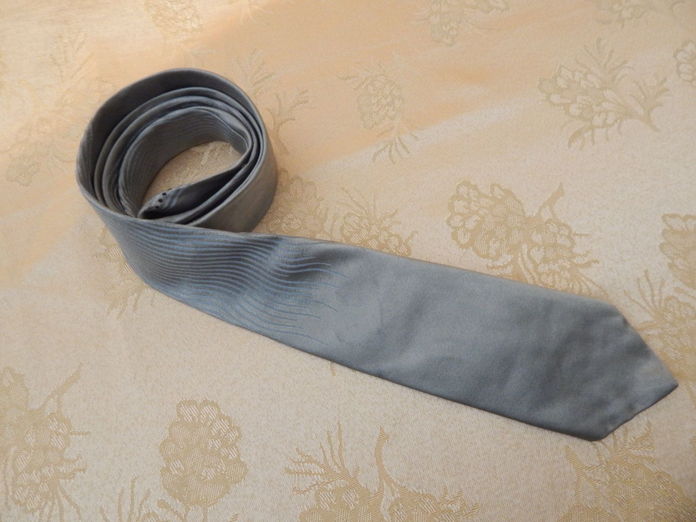 Vintage Mens All Silk Narrow Tie 1950's by AlwaysPlanBVintage on Etsy