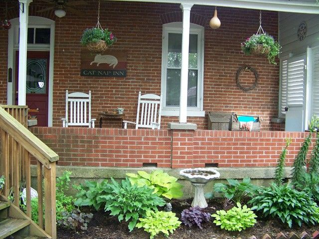 Hermann Mo Lodging Has Several Fabulous Places To Choose From Come On In Porch Rocker Cat Nap Lodges
