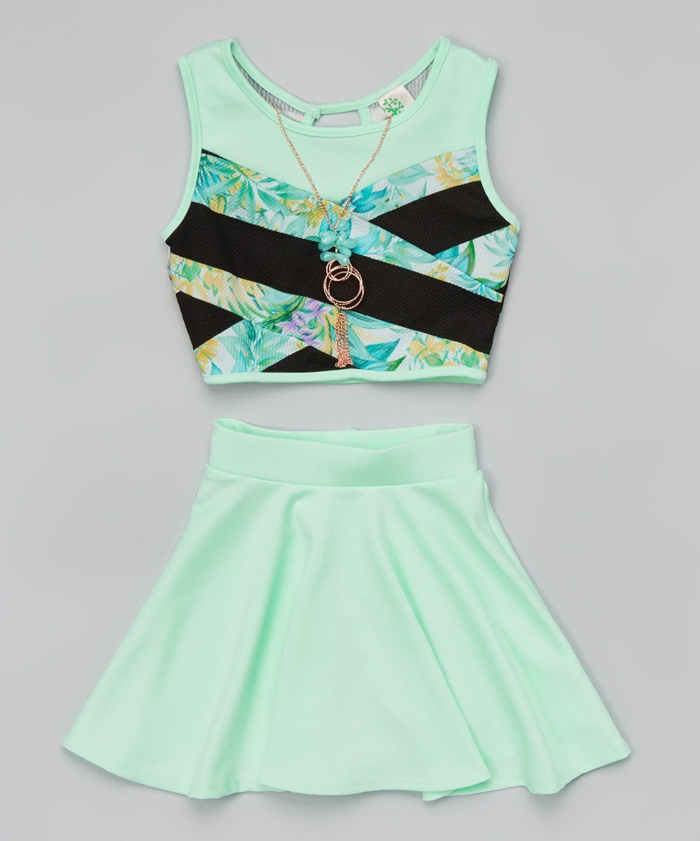 bbe439147d9 Amazon.com  Just Kids Crop Top With Necklace And Skater Skirt Set For Girl  Mint Color  Clothing