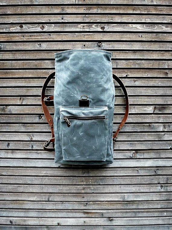 Gewachstem Canvas Rucksack Mit Roll Top Und Pflanzlich