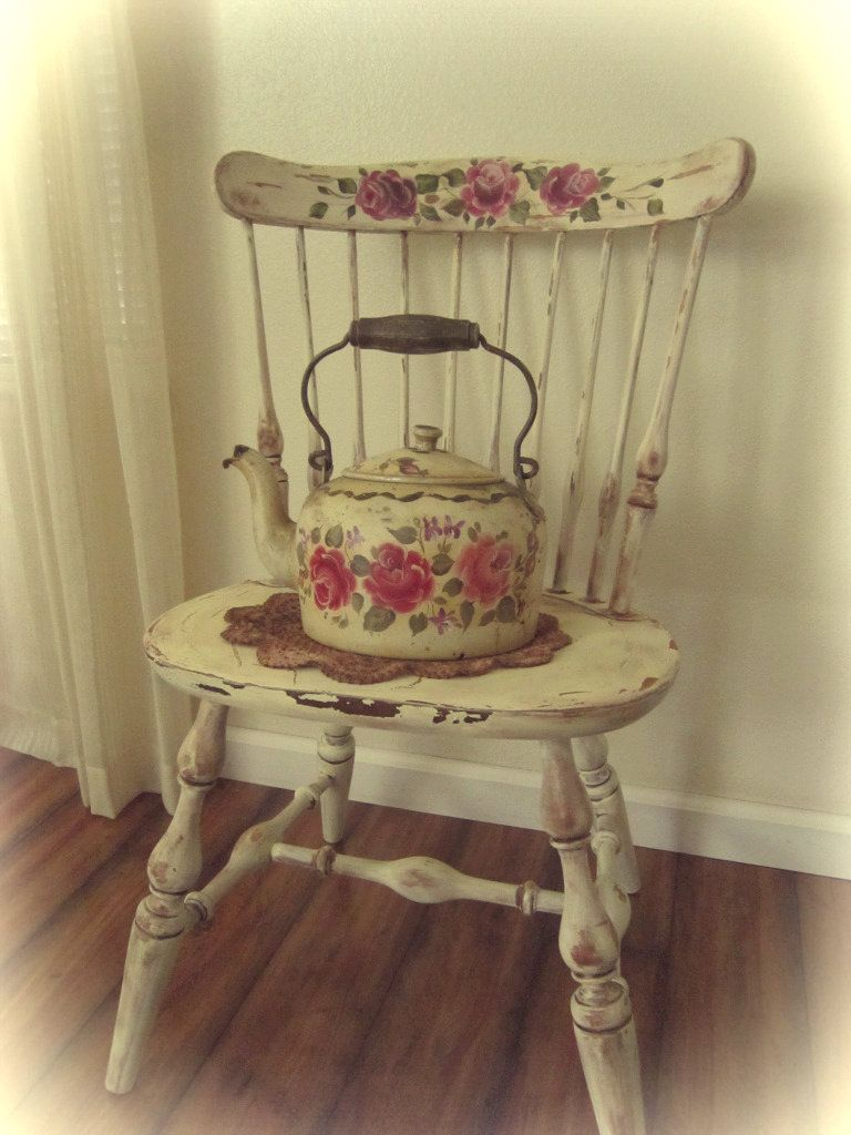 Cottage chic hand painted kettle and chair cottage chic pinterest shabby chic muebles - Muebles shabby ...