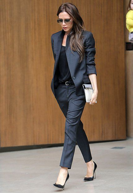 victoria beckham ihre sch nsten looks in bildern body pinterest hosenanzug anthrazit und. Black Bedroom Furniture Sets. Home Design Ideas