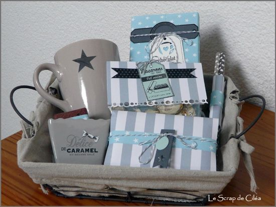 Panier gourmand gris et vert avec un mug étoilé   Cadeaux atsem, Diy cadeau noel et Panier ...