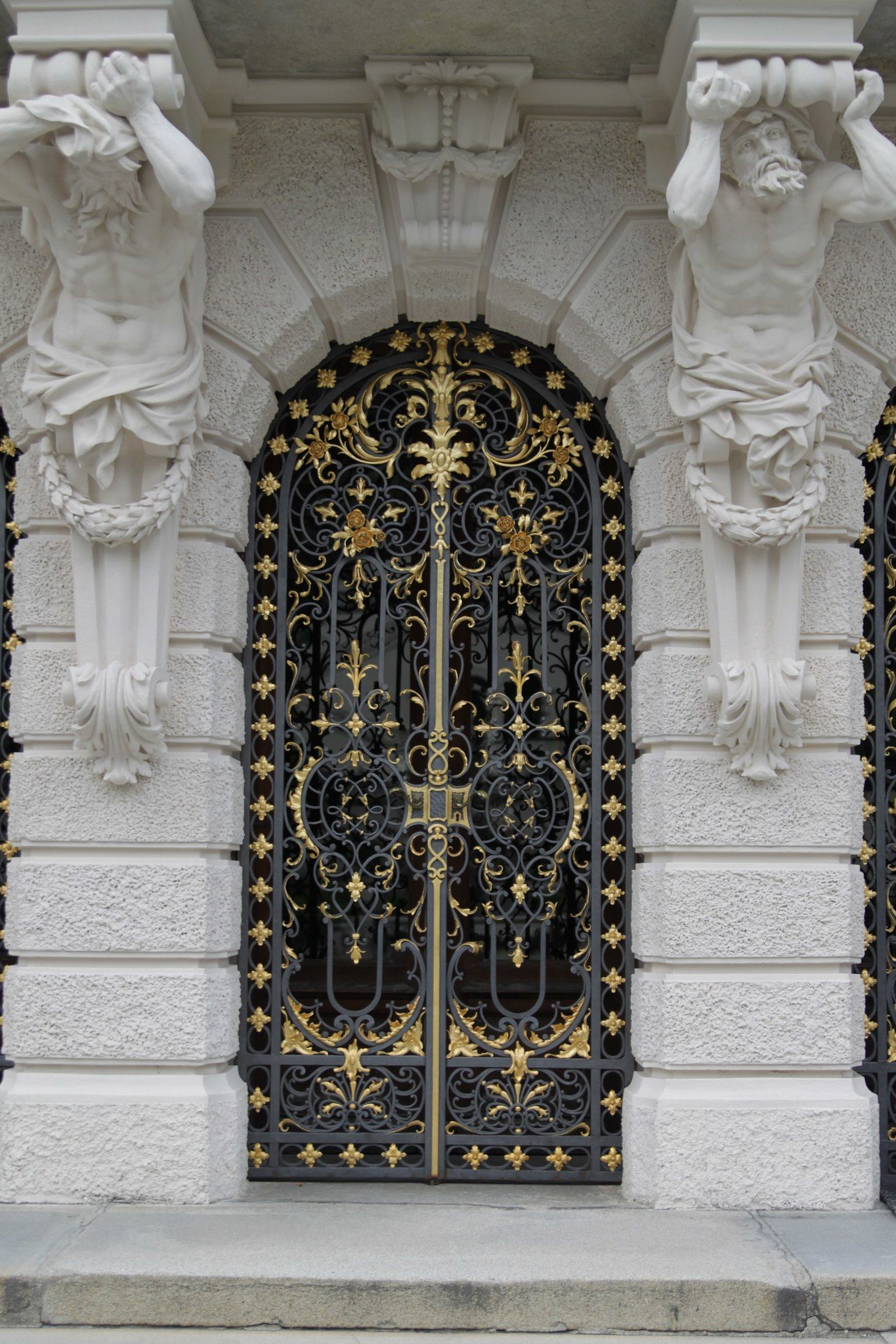 Schloss Linderhof Germany In 2020 Gorgeous Doors Unique Doors Cool Doors