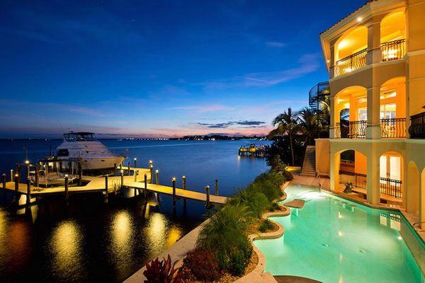 Cape Coral premier waterfront properties for Sale