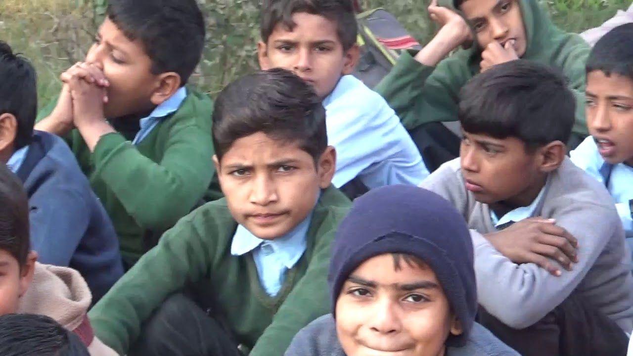 Assembly Speech By Ishtiaq Ahmad ماحول کی گندگی اور ہماری بے حسی Couple Photos Photo Scenes