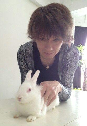 ウサギより可愛いらしい顔しちゃって 今井さん Buck Tick 今井寿 今井寿 ウサギ 今井
