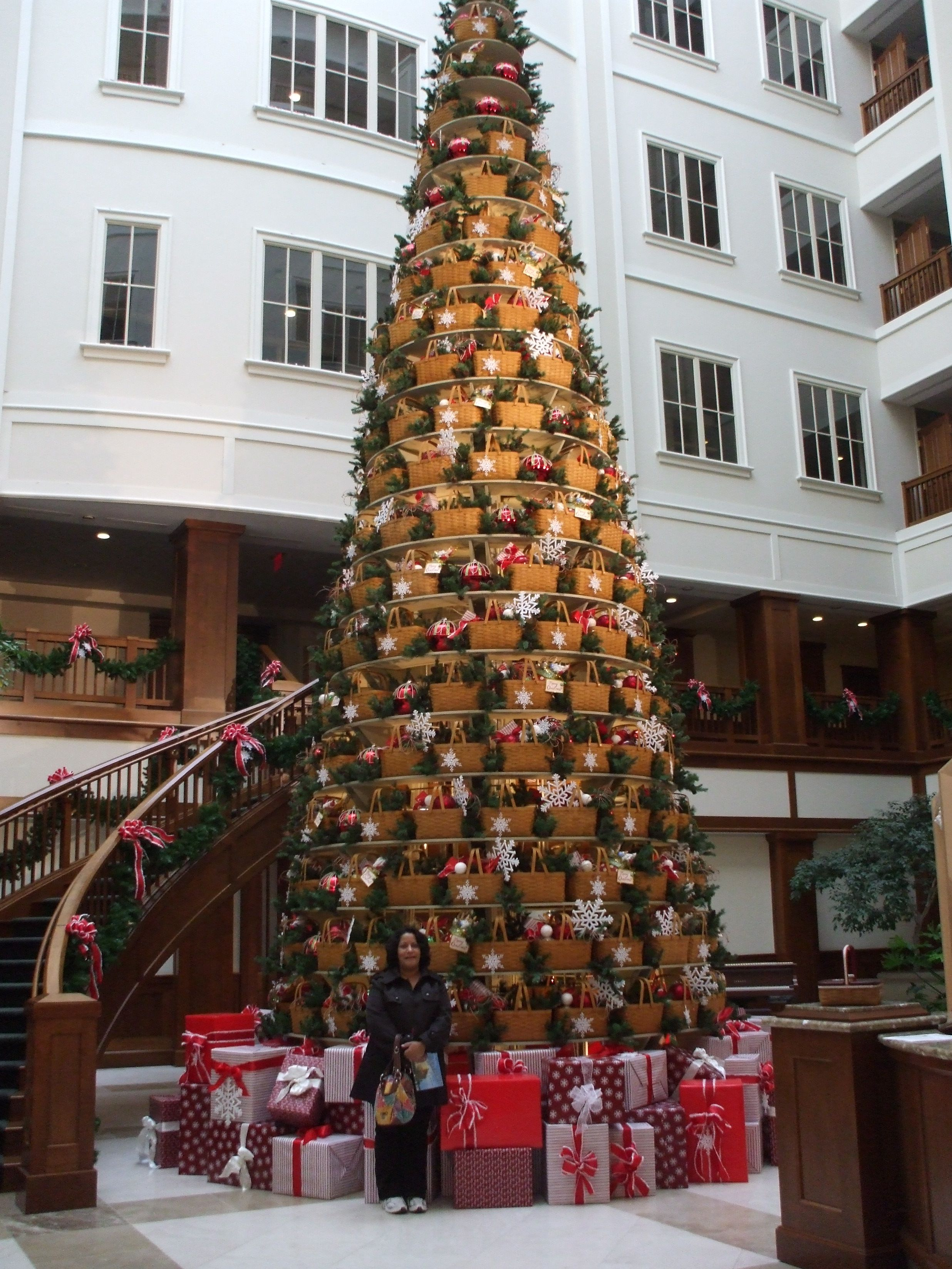 2019 Longaberger Christmas Basket Longaberger Home office lobby in Newark, Ohio at Christmas time