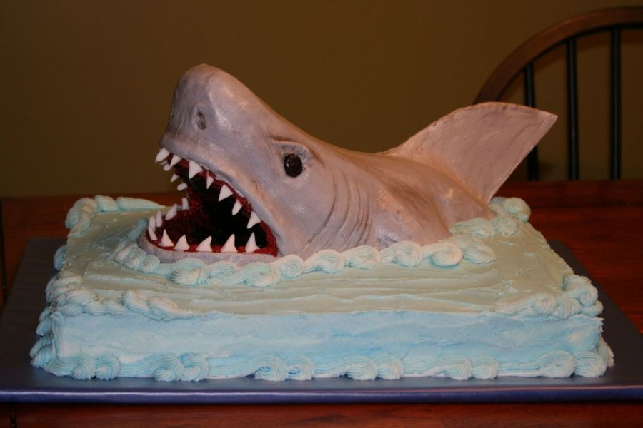 Jaws Takes The Cake On Cake Central Cakes Boy Pinterest Cake